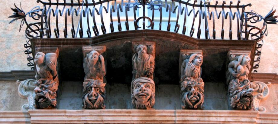 Mascheroni del barocco ibleo